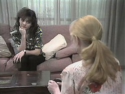 Caroline Alessi, Melanie Pearson in Neighbours Episode 1131