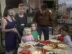 Kerry Bishop, Melanie Pearson, Sky Bishop, Lochy McLachlan, Joe Mangel, Jamie Clarke, Toby Mangel in Neighbours Episode 1132