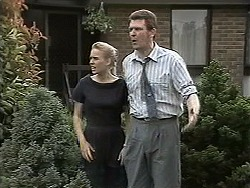 Bronwyn Davies, Des Clarke in Neighbours Episode 1133