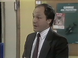 Barry Dwyer in Neighbours Episode 1134