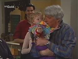 Sam Kratz, Louise Carpenter (Lolly), Patrick Kratz in Neighbours Episode 2513