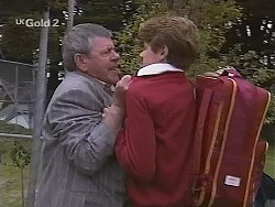 Flakey (Gordon Orchard), Lance Hails in Neighbours Episode 2515