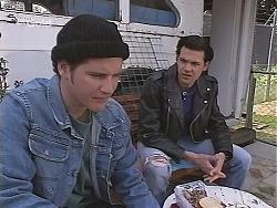 Luke Handley, Sam Kratz in Neighbours Episode 2518