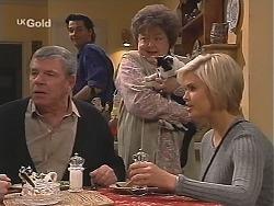 Flakey (Gordon Orchard), Sam Kratz, Marlene Kratz, Colonel Parker, Joanna Hartman in Neighbours Episode 2519