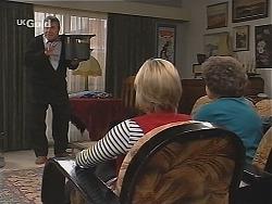 Flakey (Gordon Orchard), Joanna Hartman, Marlene Kratz in Neighbours Episode 2519
