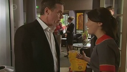Paul Robinson, Sophie Ramsay in Neighbours Episode 6552