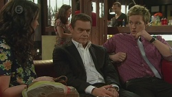 Kate Ramsay, Paul Robinson, Andrew Robinson in Neighbours Episode 6552