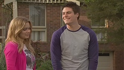 Natasha Williams, Chris Pappas in Neighbours Episode 6554