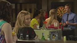 Kate Ramsay, Natasha Williams, Michaela Douglas, Eloise Russell, Gabby Ross, Andrew Robinson in Neighbours Episode 6555