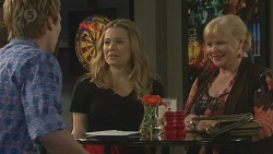 Andrew Robinson, Natasha Williams, Sheila Canning in Neighbours Episode 6555