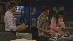 Rhys Lawson, Lucas Fitzgerald, Vanessa Villante in Neighbours Episode 6556