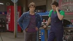 Aidan Foster, Chris Pappas in Neighbours Episode 6557