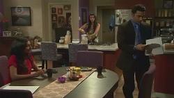 Priya Kapoor, Rani Kapoor, Ajay Kapoor in Neighbours Episode 6559