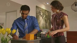 Ajay Kapoor, Anna Hauser in Neighbours Episode 6560