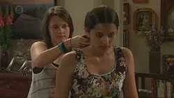Sophie Ramsay, Rani Kapoor in Neighbours Episode 6560