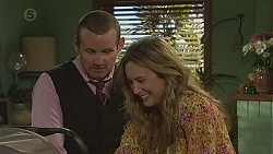 Toadie Rebecchi, Sonya Mitchell in Neighbours Episode 6560