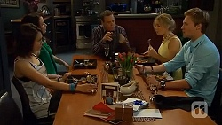 Sophie Ramsay, Kate Ramsay, Paul Robinson, Natasha Williams, Andrew Robinson in Neighbours Episode 6561