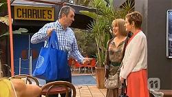Karl Kennedy, Carmel Tyler, Susan Kennedy in Neighbours Episode 6562