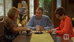 Carmel Tyler, Karl Kennedy, Susan Kennedy in Neighbours Episode 6562