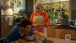 Chris Pappas, Sheila Canning in Neighbours Episode 6563