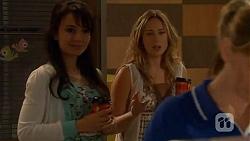 Vanessa Villante, Sonya Mitchell in Neighbours Episode 6565