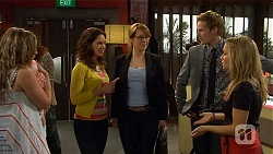 Sonya Mitchell, Polly Lipcer, Zosia Pol, Andrew Robinson, Natasha Williams in Neighbours Episode 6565