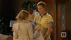 Natasha Williams, Andrew Robinson in Neighbours Episode 6566