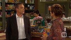 Paul Robinson, Susan Kennedy in Neighbours Episode 6571