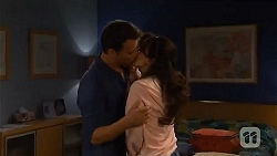 Lucas Fitzgerald, Vanessa Villante in Neighbours Episode 6571