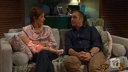 Nell Rebecchi, Susan Kennedy, Karl Kennedy in Neighbours Episode 6571