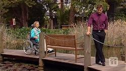 Elaine Lawson, Rhys Lawson in Neighbours Episode 6572