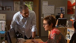 Karl Kennedy, Susan Kennedy in Neighbours Episode 6573