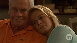 Lou Carpenter, Lauren Turner in Neighbours Episode 6574