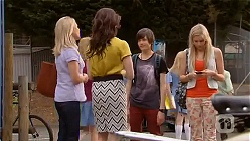 Lauren Turner, Kate Ramsay, Bailey Turner, Amber Turner in Neighbours Episode 6575