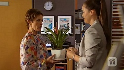 Susan Kennedy, Sarah Beaumont in Neighbours Episode 6578