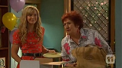 Georgia Brooks, Angie Rebecchi in Neighbours Episode 6578