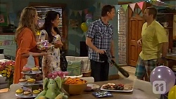 Sonya Mitchell, Vanessa Villante, Lucas Fitzgerald, Toadie Rebecchi in Neighbours Episode 6578
