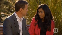 Paul Robinson, Priya Kapoor in Neighbours Episode 6582