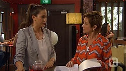 Sarah Beaumont, Susan Kennedy in Neighbours Episode 6583