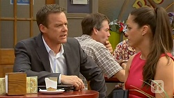Paul Robinson, Sarah Beaumont in Neighbours Episode 6584