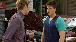 Andrew Robinson, Chris Pappas in Neighbours Episode 6584
