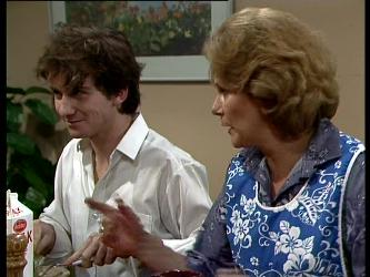Danny Ramsay, Madge Mitchell in Neighbours Episode 0282