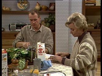 Jim Robinson, Helen Daniels in Neighbours Episode 0282