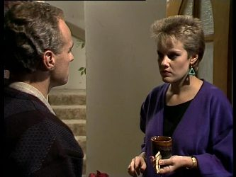 Jim Robinson, Daphne Lawrence in Neighbours Episode 0282