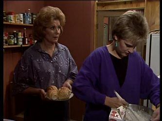 Madge Bishop, Daphne Clarke in Neighbours Episode 0282
