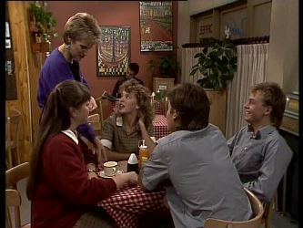 Daphne Lawrence, Nikki Dennison, Charlene Mitchell, Mike Young, Scott Robinson in Neighbours Episode 0282