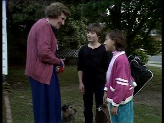 Mrs. York, Bradley Townsend, Lucy Robinson in Neighbours Episode 0282