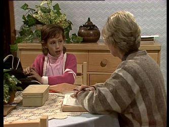 Lucy Robinson, Helen Daniels in Neighbours Episode 0282