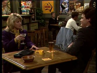 Debra Fleming, Paul Robinson in Neighbours Episode 0283