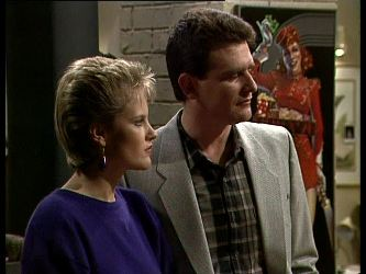 Daphne Clarke, Des Clarke in Neighbours Episode 0283
